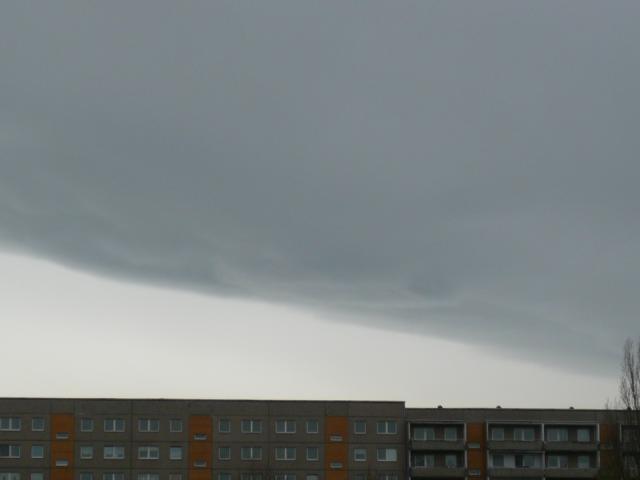 09.04.2012, 10:45, Blankeburg/Harz, Bodentemp. 4,5 Grad, Wind 210, kurz danach Regen.